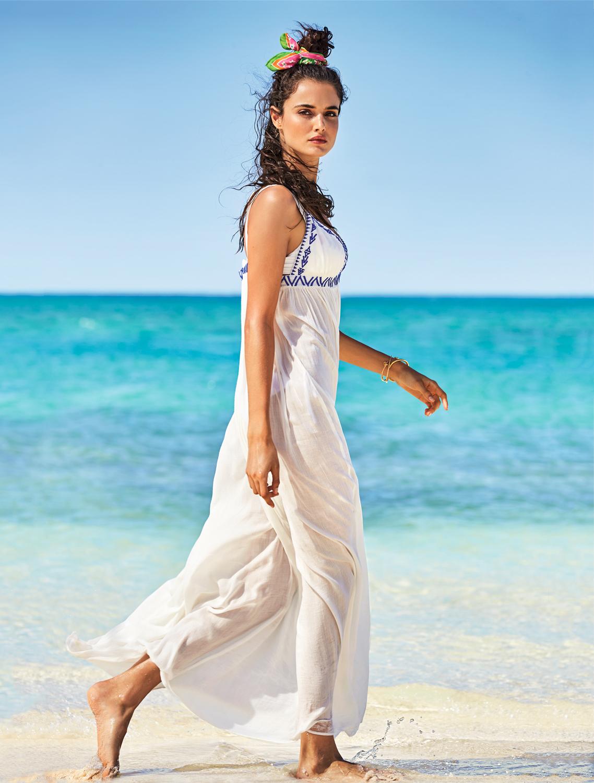 Коралловые пляжи и загорелые девушки в новой съемке Calzedonia