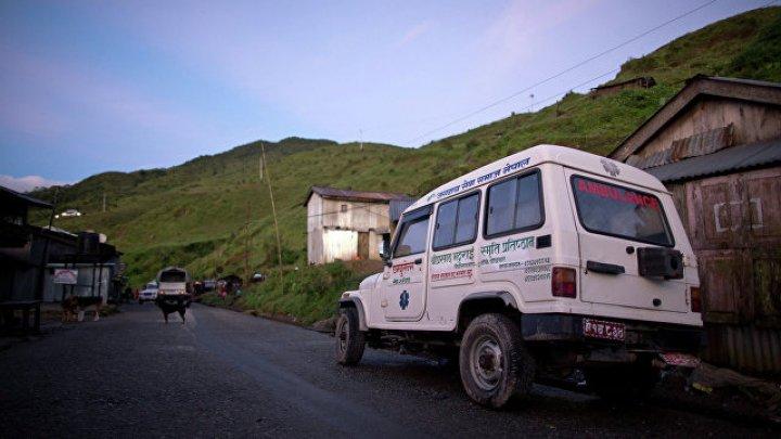 В Непале автобус упал в реку: погиб 31 человек