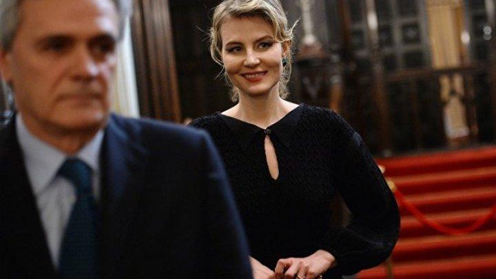 Литвинова хочет наказать СМИ, распространяющие слухи о ее свадьбе с Земфирой