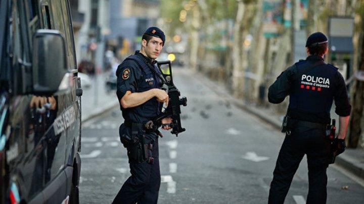 Каталонская полиция сообщила о гибели трех человек в Барселоне