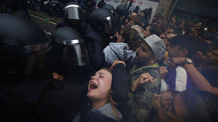 В Каталонии 38 человек пострадали во время столкновений с полицией на избирательных участках