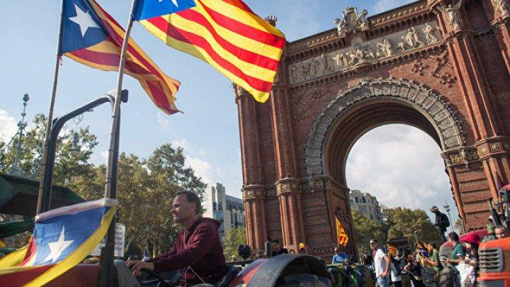 Правительство Испании заявило, что приостанавливает автономию Каталонии