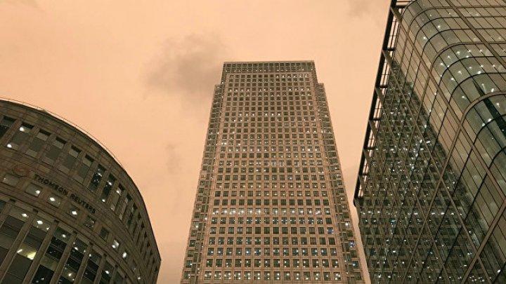 Жителей Лондона напугал цвет неба во время урагана «Офелия»