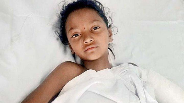 8-летняя девочка пробежала километр до дома после того, как лифт оторвал ей руку