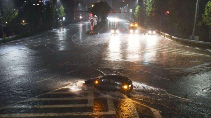 Два человека погибли и 86 пострадали в Японии в результате тайфуна «Лан»