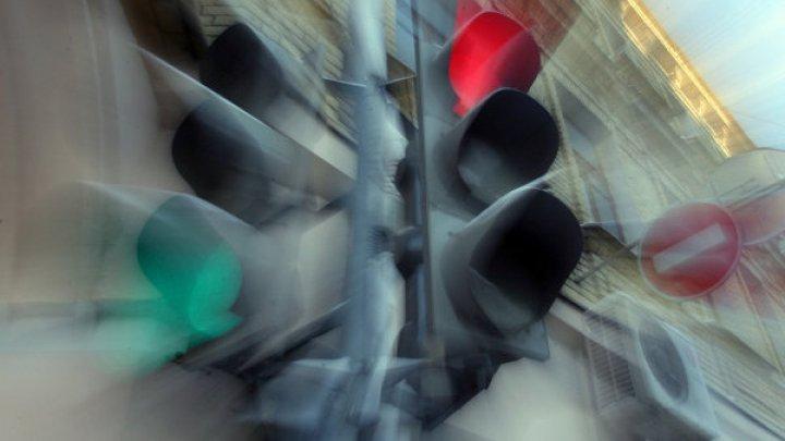 Пьяные селяне захотели сделать светомузыку из светофора и попали под суд