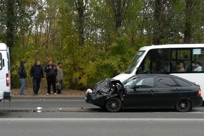 04-10-2017: Столкнулся с маршруткой, госпитализирован