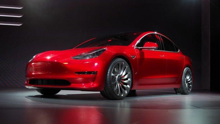 Tesla намерена построить в Китае завод по производству электромобилей