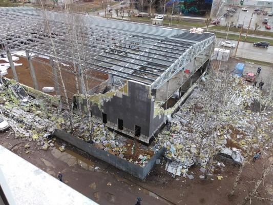 Застройщик разваливающегося от ветра спорткомплекса на ул. Воровского может быть признан банкротом