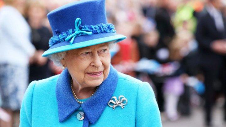 Королева Елизавета владеет McDonald's в двух часах езды от Лондона