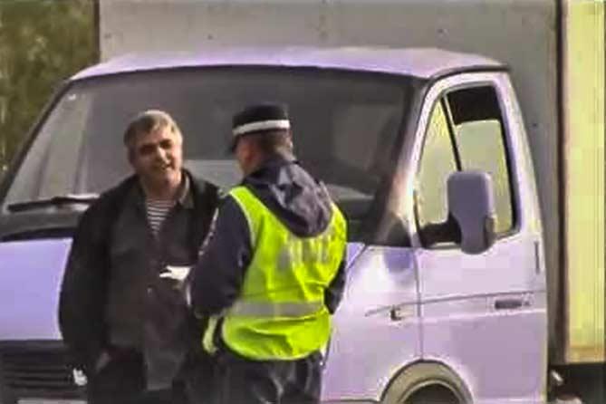 Похищенный автомобиль перевозили в грузовике