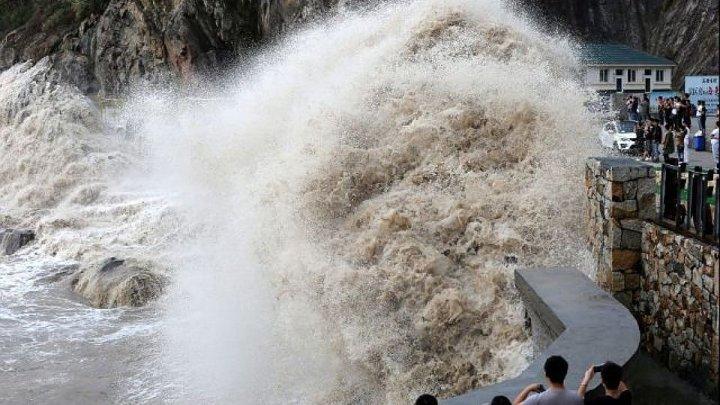 Тайфун «Ханун» обрушился на китайскую провинцию Гуандун