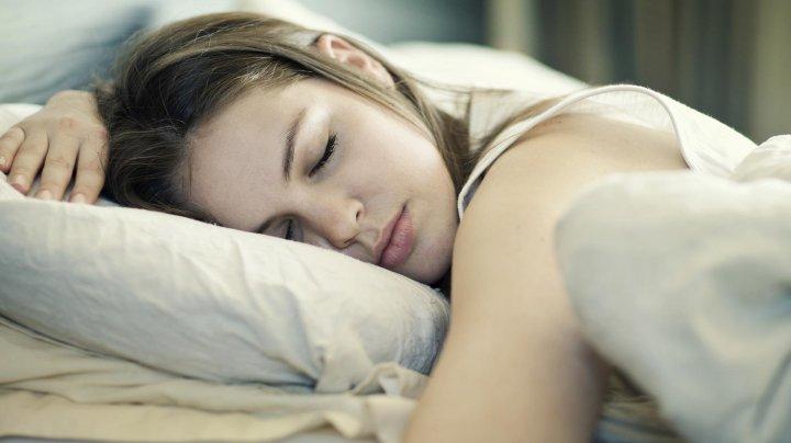 Сомнологи выяснили, как часто люди матерятся во сне