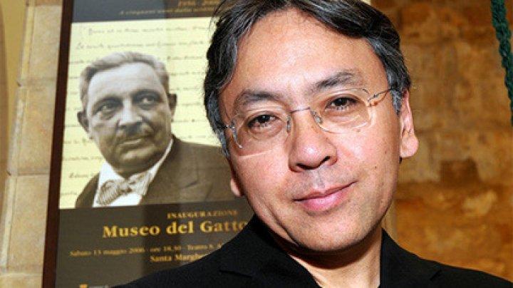 Нобелевскую премию по литературе получил британский прозаик Кадзуо Исигуро