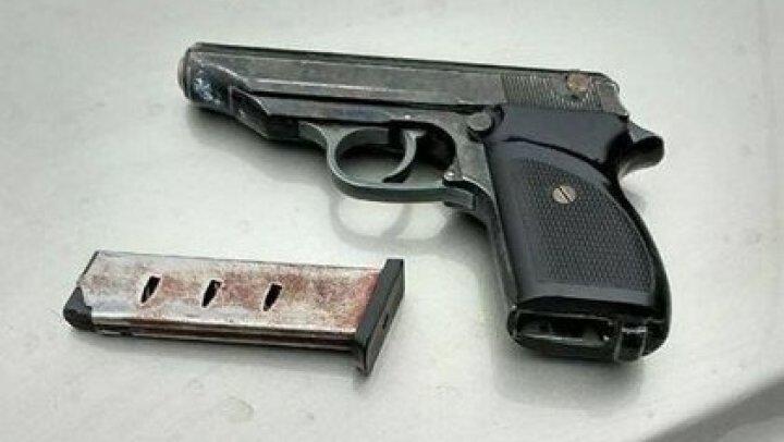 На Украине остановили девятилетнего водителя джипа с наркотиками и оружием