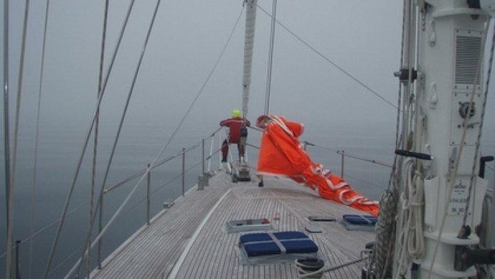 В Тихом океане спасли дрейфовавших пять месяцев девушек