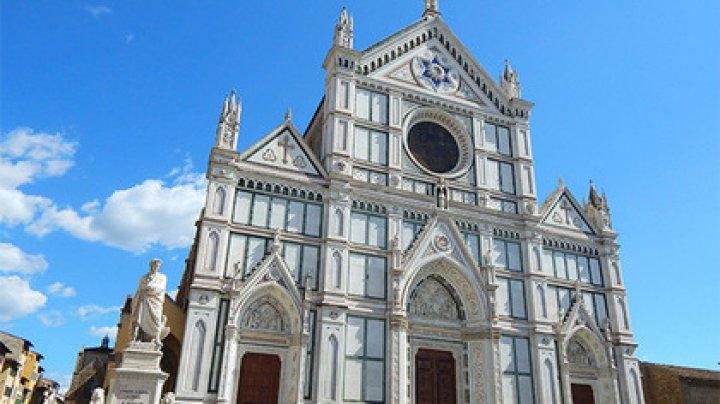 Туриста убило отвалившимся камнем в церкви во Флоренции