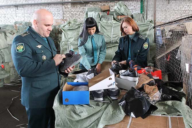Задержали более 11 тысяч пар контрафактной обуви