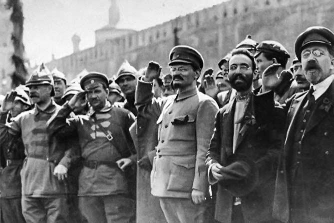 Отсутствие подлинной картины тех лет на руку лишь противникам России