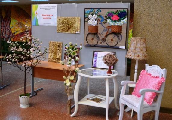 В Кирове состоялось торжественное открытие окружной выставки детского прикладного творчества «МастерОК»
