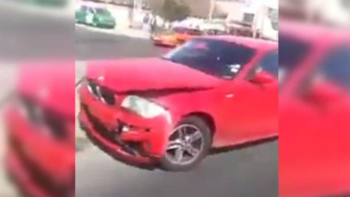 Видео: Женщина протаранила автомобиль изменившего ей мужа