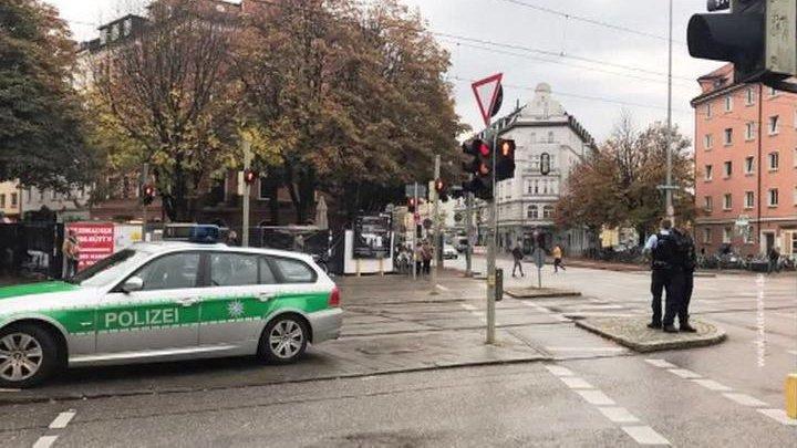 Спецназ схватил подозреваемого в ножевом нападении на прохожих в Мюнхене