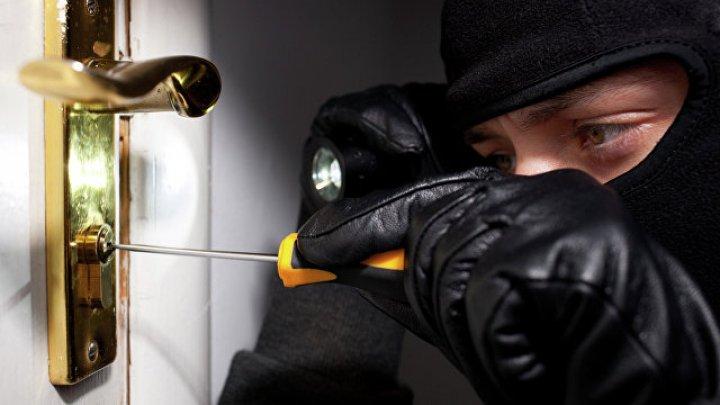 В Глодянском районе преступники ограбили пять домов за несколько дней