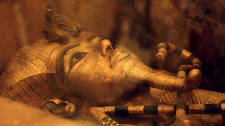 Расхитительница гробниц: 95-летняя старушка ограбила египетские захоронения на $1 млн