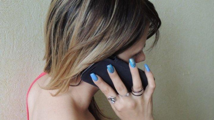 Видео: взорвавшийся на автозаправке смартфон обжог девушке лицо