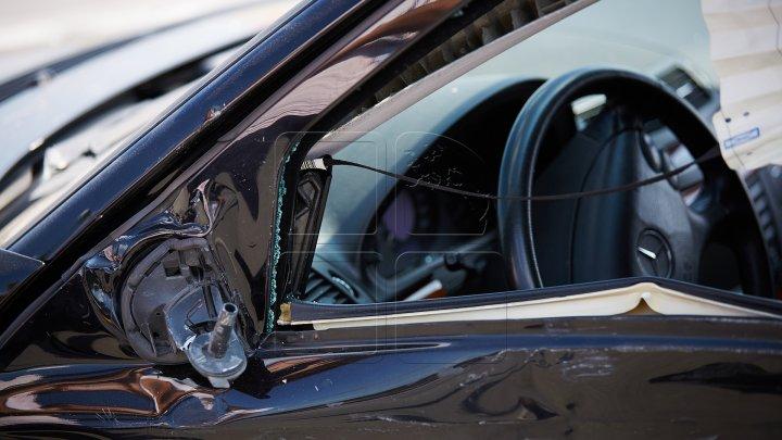 В Единцах пьяный водитель пытался скрыться от полиции и врезался в рекламный щит