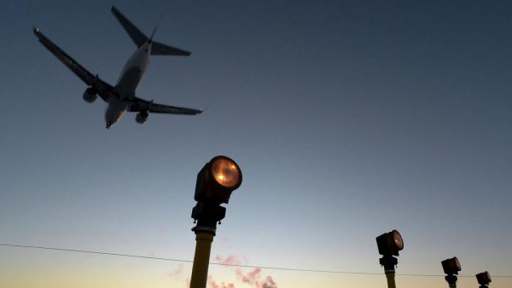 Бывший топ-менеджер заплатит миллион рублей за пьяную выходку в самолете