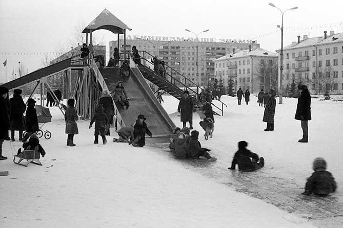 Со дня Михаила Архангела зима морозы куёт