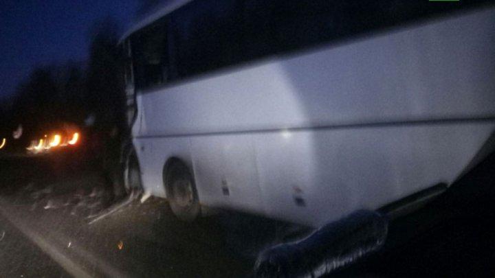 Жуткая авария с экскурсионным автобусом под Ярославлем: 20 детей пострадали