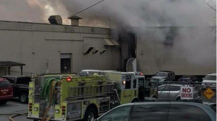 СМИ: В США в результате взрывов на фабрике пострадали 75 человек