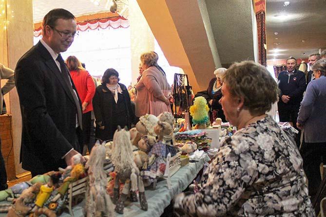 17-11-2017: В Тольятти открылась ярмарка «Золотые руки»