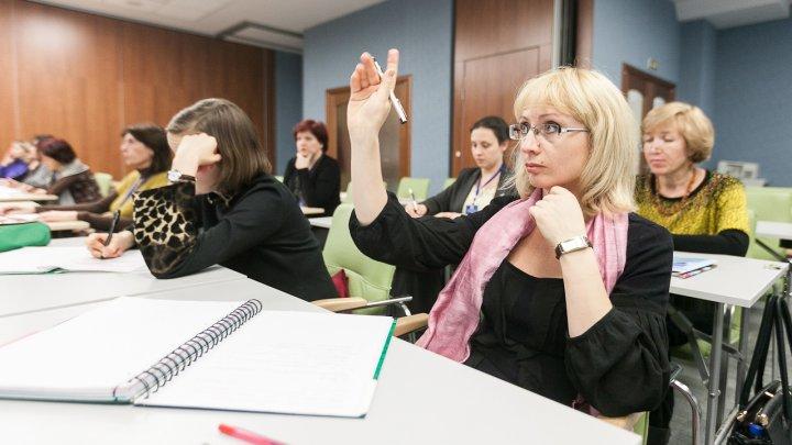Учителя больше не будут платить из собственного кармана за курсы повышения квалификации