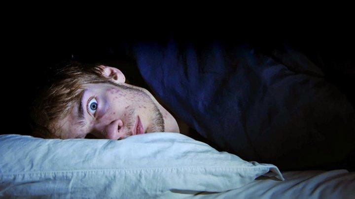 Мужчина зарезал двоих и притворился спящим