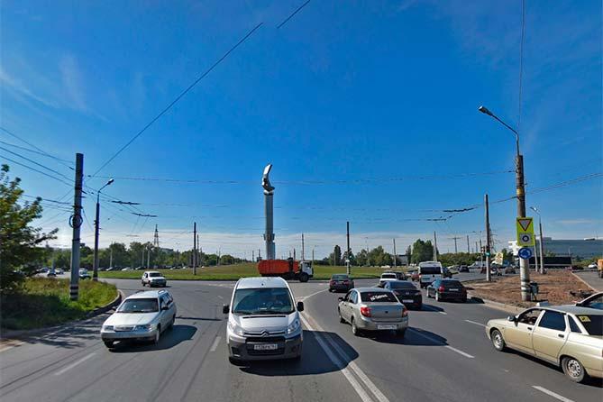 ПДД с 08-11-2017: Проезд транспортных средств через перекрестки с круговым движением
