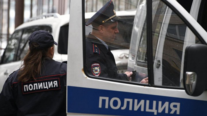 Тело сотрудника полиции с огнестрельным ранением найдено у здания МГУ в Москве