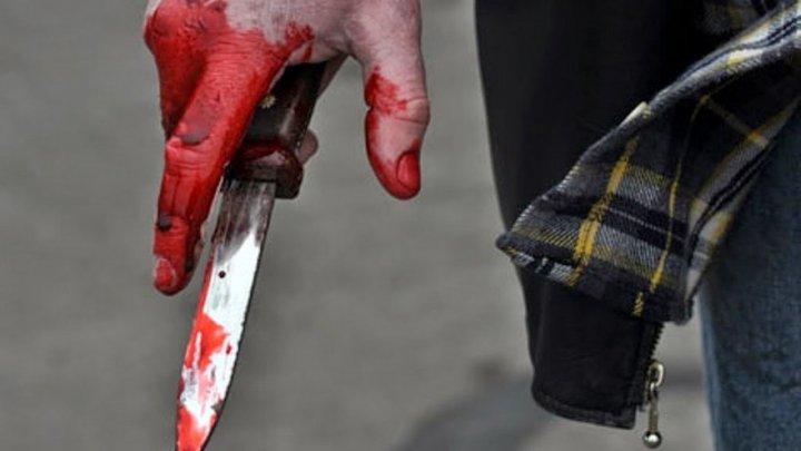 Водитель рубанул ножом москвича за попытку сфотографировать его госномер