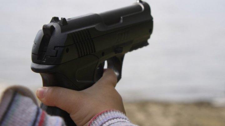 В Петербурге четырехлетний мальчик пришел в детский сад с настоящим пистолетом