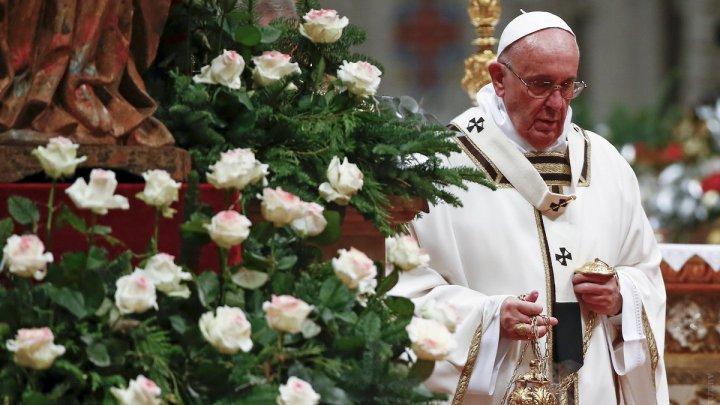 Папа Римский огорчен обилием смартфонов на мессах