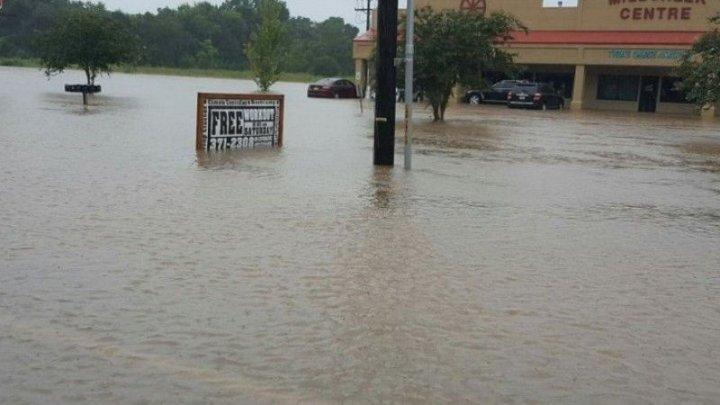 Проливные дожди в Австралии привели к сильному наводнению