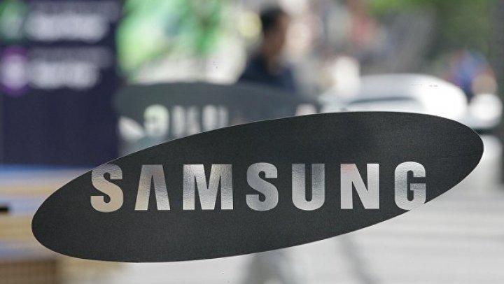 Samsung выпустит смартфон с двумя экранами