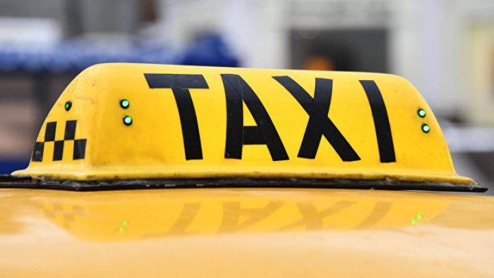 В центре Москвы таксист провёз туриста восемь километров за 10 тысяч рублей