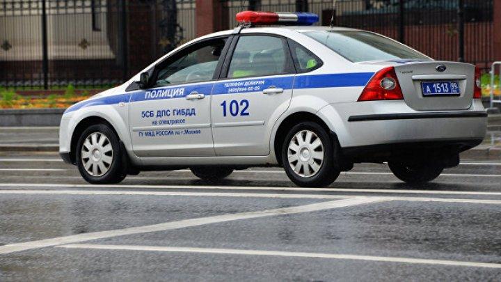 Гаишник сбил человека на служебной машине и распылил ему в лицо слезоточивый газ: видео