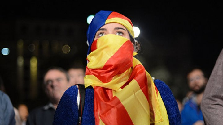 Премьер Испании выразил надежду на диалог с каталонским правительством