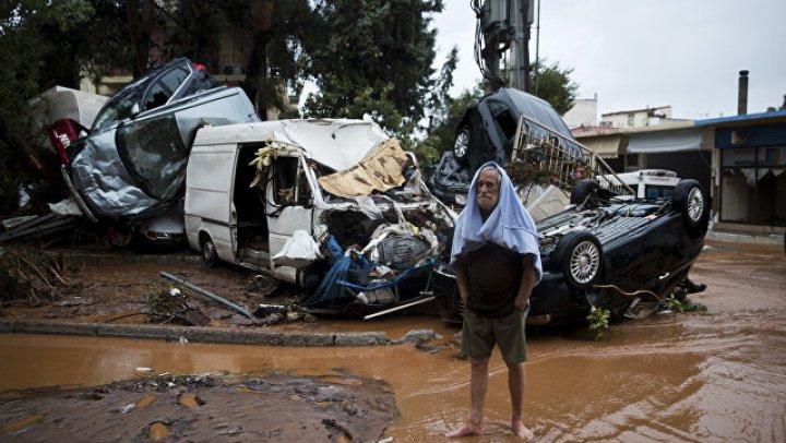 Жертвами обрушившегося на Индию тропического циклона «Окхи» стали 39 человек