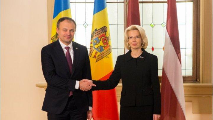 Главы парламентов Молдовы и Латвии обсудили развитие двусторонних отношений