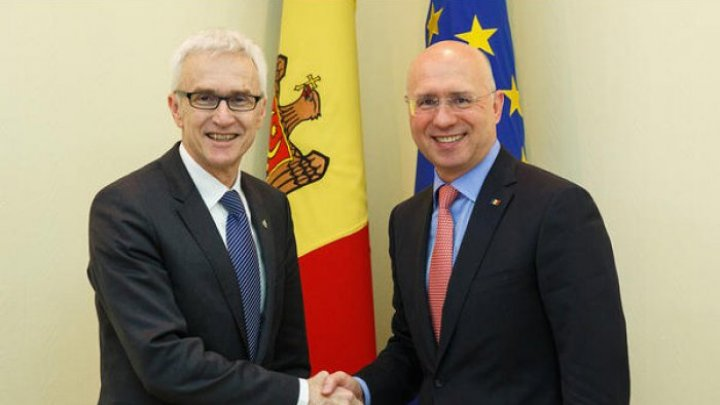 Премьер Павел Филип провел встречу с генеральным секретарем Интерпола